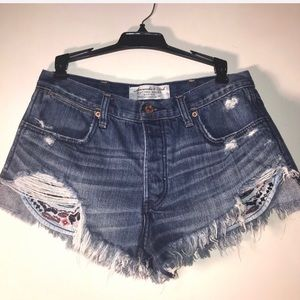 Abercrombie & Fitch festival shorts